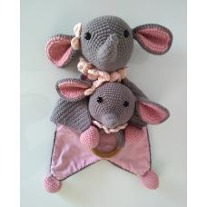Kit Naninha e Chocalho Crochet - Elefantinho Rosa