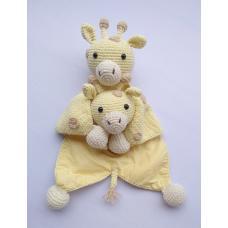Kit Naninha e Chocalho Crochet - Girafinha