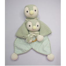 Kit Naninha e Chocalho Crochet - Pinguim Verde
