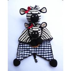 Kit Naninha e Chocalho Crochet - Zebrinha Menina